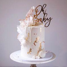 Elegant Birthday Cakes, Birthday Cake With Flowers, 21st Birthday Cakes, Beautiful Birthday Cakes, Elegant Cakes, Elegant Cake Design, Cake Decorating Designs, Cake Decorating Techniques, Beautiful Cake Designs