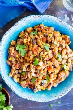 This healthy one pot meal is so easy to make and loaded with tons of vegetables! Perfect for a weeknight dinner. Last year the thought of making a one pot pasta dish made me really nervous. It almost seemed like a science to me. You had to know exactly how much extra liquid to add …
