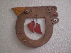 Zamilovaný ptáček fishbowl in a cat Clay Birds, Ceramic Birds, Ceramic Animals, Clay Animals, Ceramic Clay, Ceramic Pottery, Sculptures Céramiques, Sculpture Clay, Clay Projects