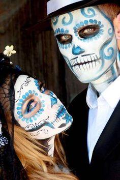 Estamos a cinco días para celebrar el Día de los Muertos. Además de ir al panteón a dejar ofrendas a tus seres queridos, celébralo maquillando tu rostro de calaverita o de Catrina. En artículos pasados ten...