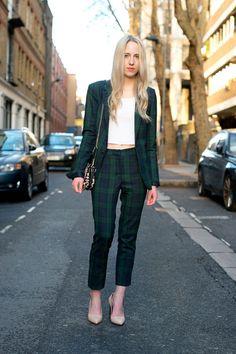 c34762acd003cf 8 meilleures images du tableau Pantalon carreaux outfit en 2018 ...