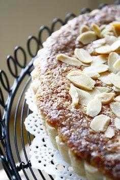 La Table De Nana: A Heavenly Almond~Raspberry Tart~ Raspberry Tarts, Fruit Tarts, Baking Recipes, Dessert Recipes, Easy No Bake Cheesecake, Pie Crumble, Fairy Cakes, Beautiful Desserts, No Bake Cake