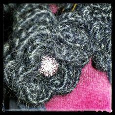 Flower brooch - crochet