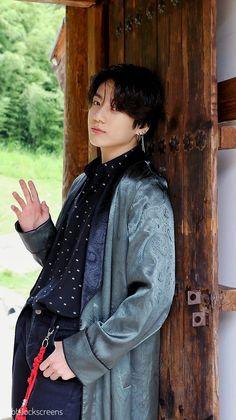Jungkook Swag He's so handsome ❤️ Foto Jungkook, Foto Bts, Bts Kookie, Jungkook Cute, Bts Photo, Bts Bangtan Boy, Jungkook Abs, Jung Kook, Jikook
