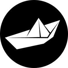 Papierschiff Origami - Ein aus Schiff aus Papier gefaltet.