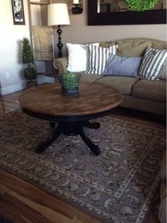 Last Weekend I Found An Oak Kitchen Table On Kijiji For $25.00. This Is It
