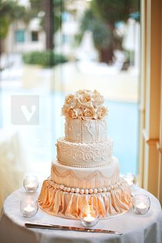 versace cake (professional photos) | woohoo just got these a… | Flickr
