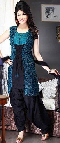 #salwarsuit #salwarsuits #SalwarSuitOnline #salwarsuitmaterial #salwarsuitspartywear #salwarsuitneckdesigns Salwar Suit Neck Designs, Churidar Designs, Dress Neck Designs, Kurta Designs Women, Designs For Dresses, Blouse Designs, Black Salwar Suit, Salwar Suits, Black Kurti