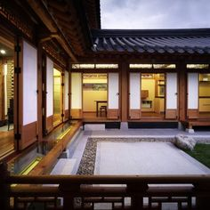 Asian Home Decor super post 1185169182 - Inexpensive but amazing home decor tactics and concepts. Asian Interior Design, Interior Garden, Interior Exterior, Interior Design Inspiration, Japanese Style House, Japanese Home Design, House Outside Design, House Design, Asian House