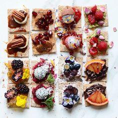 (@alphafoodie) • Mini seeded sourdough wholegrain crisps w/ various toppings