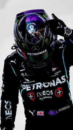 F1 Lewis Hamilton, Lewis Hamilton Formula 1, F1 Wallpaper Hd, Car Wallpapers, Formula 1 Car Racing, Mercedes Petronas, Mercedes Benz Wallpaper, Hamilton Wallpaper, Manchester United Wallpaper