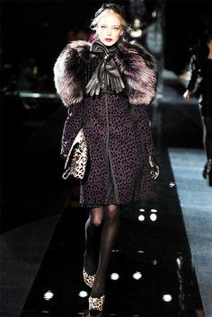 Dolce & Gabbana Fall Winter 2009/2010 Ready-To-Wear collection dolce-e-gabbana_233281.jpg 2,136×3,201 pixels