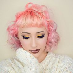 """Went with a natural brow today! (Ps filmed a get ready with me for this look!) Also I don't know if Pink suits me, I might just go back to Blue 💙 I feel like that color was meant to be on my head forever! What do you guys think? (If you were wondering I mixed """"X-Girl & A tiny bit of Steal My Sunshine"""" from @gooddyeyoung with some conditioner, the purple tips are from the blue I had left over in my hair)  Used: @katvondbeauty Metal Matte Palette and their Shade and Light Contour Palette…"""