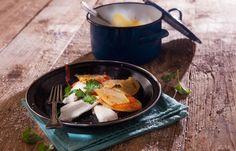 Τσιπούρα πλακί στην κατσαρόλα Iron Pan, Fish, Ethnic Recipes, Dutch Oven, Ichthys
