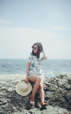 casual beach outfit | summer style | rachellately.com