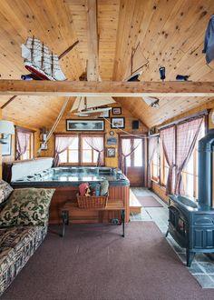 Canadina-wooden-house