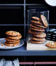 A simple and super-easy recipe for salted peanut and sesame biscuits. They also make a very tasty ice-cream sandwich.