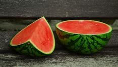 Watermelon For Weight Loss - There are lot of fruits that are gift of nature for most serious disease obesity. Watermelon is the one of them. Know weight loss benefits of this fruit. Negative Calorie Foods, Zero Calorie Foods, Low Calorie Recipes, Sweet Watermelon, Watermelon Diet, Watermelon Recipes, Watermelon Cocktail, Watermelon Margarita, Mojito