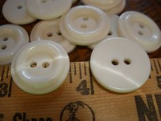 wholesale 144 p 2 tones white clear shell 4 holes 11mm thick small shirt buttons