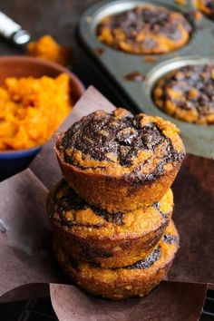 Paleo Pumpkin Muffins with a Chocolate Swirl Top - a simple, one bowl recipe perfect for the perfect fall treat | gluten free + grain free + dairy free | #pumpkin #paleo