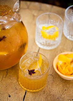 10 Easy Cocktails for a Crowd