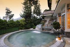 Jacuzzi extérieur - Bareiss Hotel & Spa  #jacuzzi #eau #water #bienetre #sante #health #bienestar #spa #sweetwater  www.marysemasse.com