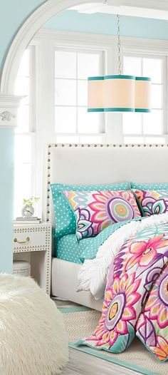 Mod Floral Quilt: Make your bed come to life with a meadow of bold flowers and a subtle polka dot pattern. Teen Girl Bedding, Teen Girl Bedrooms, Quilt Bedding, Bedding Sets, Little Girl Beds, Cute Bedroom Ideas, Floral Bedding, Make Your Bed, Cozy Bed