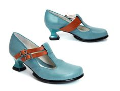 pretty blue...you could paint some shoes these colors...hmmm...I have just the perfect pair