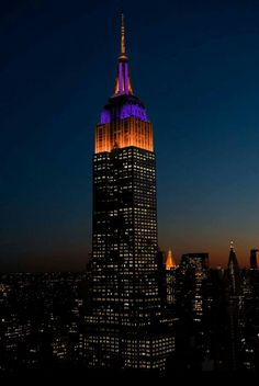 2017 National College Football Champions, the CLEMSON TIGERS!!! Lighting up the Empire State Building to honor Clemson.