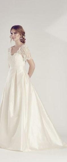 Hochzeitskleid edel elegant romantisch White One WhiteOne Pronovias ...