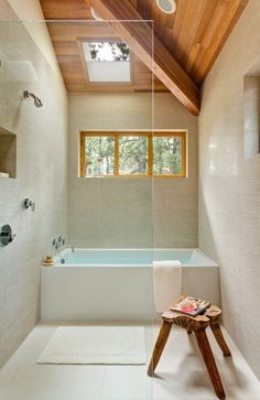 67 Trendy ideas for bathroom shower tub wet rooms Attic Bathroom, Bathroom Interior, Modern Bathroom, Master Bathroom, Small Bathrooms, Natural Bathroom, White Bathroom, Small Baths, Japanese Bathroom