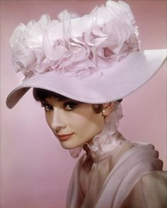 e1a1939b78488 Audrey Hepburn as Eliza Doolittle in