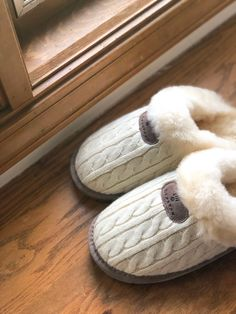 Have you seen anything more cozy? 😍☁️ Shop Effie: bearpaw.com/ #LiveLifeComfortably #BearpawStyle