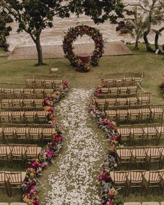 Check out the best ideas to decorate and organize an outdoor wedding that will amaze your guests and always putting this special day!