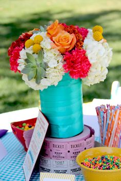 Love this fun carnival themed table centerpiece! Photo by Iliana Morton Photography.