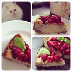 Pamiętacie jeden z pierwszych przepisów na ciasto z kaszy jaglanej? KLIK   Trochę go zmodyfikowałam i zrobiłam nie-kakaową wersję malino...