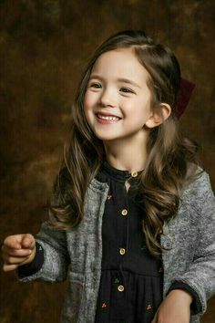 Devano Lubis Jensen, seorang anak pemuda tanggung yang kurang kasih s… Fiction Beautiful Little Girls, Cute Little Baby, Cute Baby Girl, Beautiful Children, Cute Babies, Chica Cool, Ulzzang Kids, Child Smile, Asian Kids