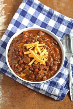 Slow Cooker Chorizo and Ground Beef Chili | www.honeyandbirch.com #weightlossbeforeandafter