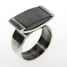 margaret de patta   750: MARGARET DE PATTA Hematite and sterling ring