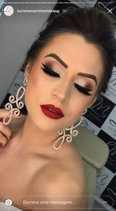 Ideas makeup bridal glamorous for 2019 Loading. Ideas makeup bridal glamorous for 2019 Bridal Makeup Red Lips, Dramatic Wedding Makeup, Red Lipstick Makeup, Wedding Hair And Makeup, Eye Makeup, Hair Makeup, Makeup For Red Dress, Clown Makeup, Red Lips Makeup Look