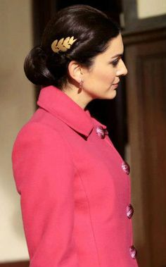 "Bergüzar Korel - ""Karadayı"" TV Series 2012/2014. Turkish Actors, True Beauty, Bellisima, Princess, Celebrities, Hair, Tv, Fashion, Frases"