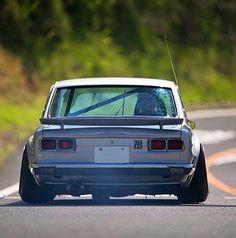 Datsun 1600 stance