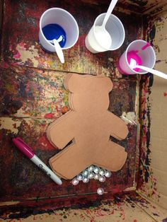 Teddy bear week.. Setting up for marble painted teddy bears!