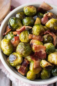 Oven Roasted Brussels Sprouts with Bacon - A simple and super flavorful recipe! Perfect side dish for a special holiday meal. Oven Roasted Brussels Sprouts with Bacon - A simple and super flavorful recipe! Perfect side dish for a special holiday meal. Roasted Brussel Sprouts Bacon, Sprouts With Bacon, Brussels Sprouts, Brussel Sprouts Benefits, Sprouts Food, Roasted Radishes, Sprout Recipes, Vegetable Recipes, Chicken Recipes