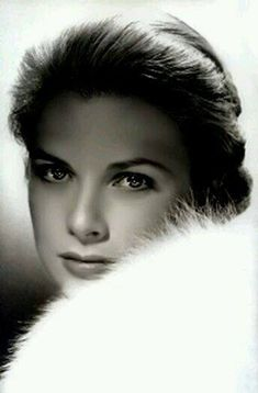 Grace Kelly by photographer Clarence Sinclair Bull