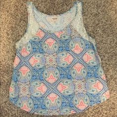 Mossimo Juniors XL tank top. Paisley Print w/Lace! Mossimo Tank (Junior XL) only worn 1-2 times. EUC. Cute Paisley Print, with Lace accents! Scoop neck, Loose Fitting Style! 100% Rayon Mossimo Supply Co. Tops Tank Tops