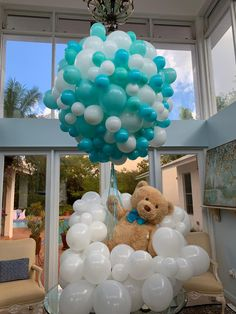 Flying teddy bear balloons arrangement for a baby shower welcome table in mint and caribbean blue color Baby Shower Decorations For Boys, Boy Baby Shower Themes, Baby Shower Balloons, Baby Shower Parties, Baby Boy Shower, Teddy Bear Centerpieces, Decoracion Baby Shower Niña, Teddy Bear Baby Shower, Balloon Arrangements