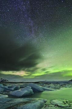 Milky Way and Auroa over Glacier Lagoon - Jökulsárlón