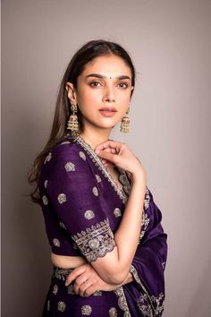 Breathtaking lehengas Adithi Rao Hydari has flaunted! Indian Bridal Outfits, Indian Bridal Fashion, Indian Fashion Dresses, Dress Indian Style, Indian Designer Outfits, India Fashion, Japan Fashion, Fancy Blouse Designs, Bridal Blouse Designs