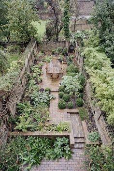Interesting And Minimalist Garden Design Ideas. Below are the And Minimalist Garden Design Ideas Back Gardens, Small Gardens, Outdoor Gardens, City Gardens, Courtyard Gardens, Vegetable Garden Design, Small Garden Design, Small City Garden, Vegetable Gardening